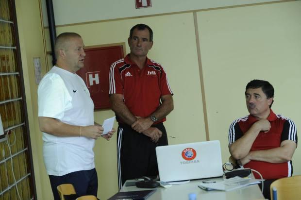g.Borošak (v sredini)