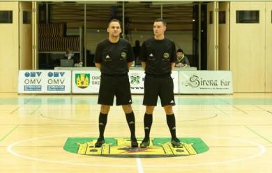 Jernej Petek na debitanski tekmi 2.SFL, poleg Uroš Hozjan (foto: FSK Stripy)